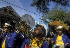 zulu-crewe-mardi-gras-parade